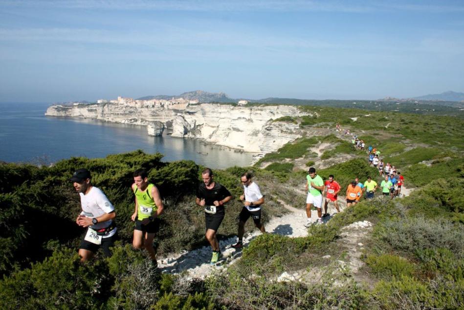 Trail sur les falaises de Bonifacio